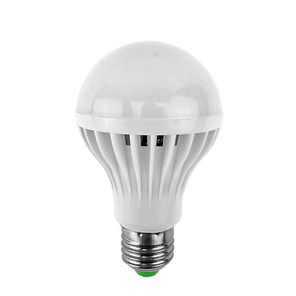 7W kompakt energiatakarékos LED izzó, E27 foglalatba / 7W=~80W - meleg fehér