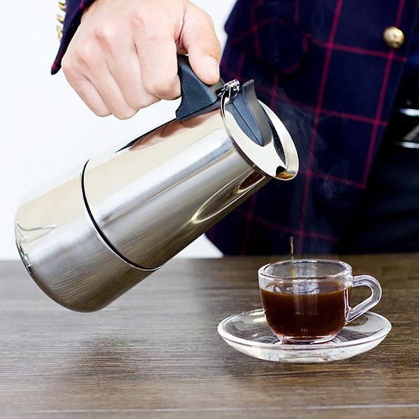 Hatszemélyes kotyogós kávéfőző