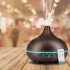 Kép 2/4 - Fahatású aromaterápiás párologtató távirányítóval / ultrahangos párásító, sötét, 400 ml