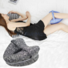 Kép 1/3 - Kontúr lábpárna rugalmas pánttal, a kényelmes alvásért / térd- és lábtámasztó párna, szürke
