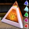 Kép 1/5 - Piramis alakú színváltós ébresztőóra