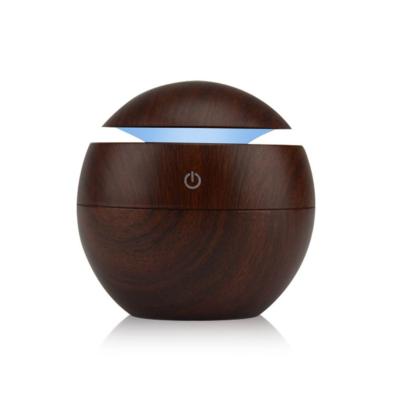Mini fahatású, ultrahangos párologtató / aromaterápiás párásító, 130 ml - sötétbarna