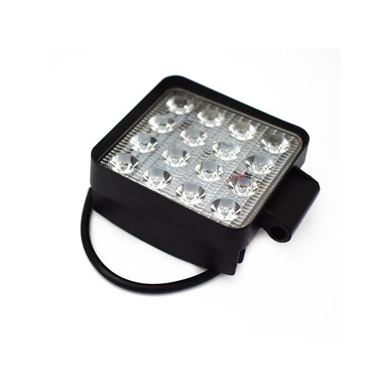 48W szuper erős LED munkalámpa, szúrófény járművekre / szögletes