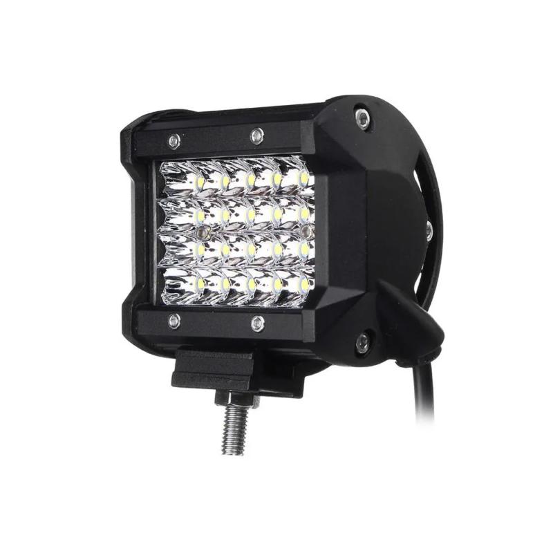 Autóra szerelhető szuper erős LED-es reflektor / 72 W / 1 db
