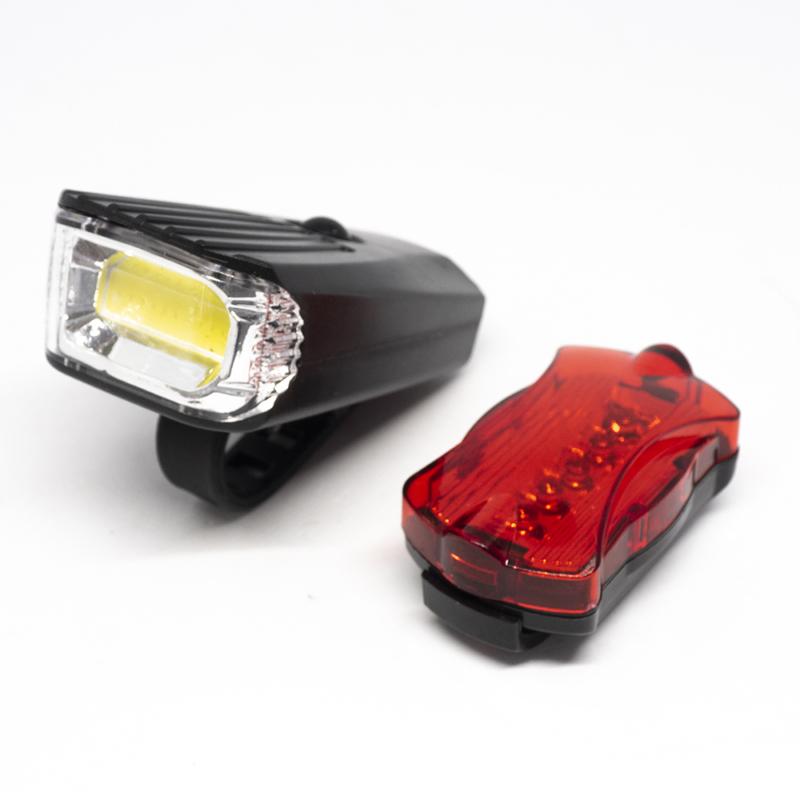 LED-es kerékpár lámpa szett / első és hátsó / elemes (16768)