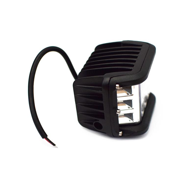 Side Shooter LED munkalámpa gépjárművekre / 36W, 121 fok