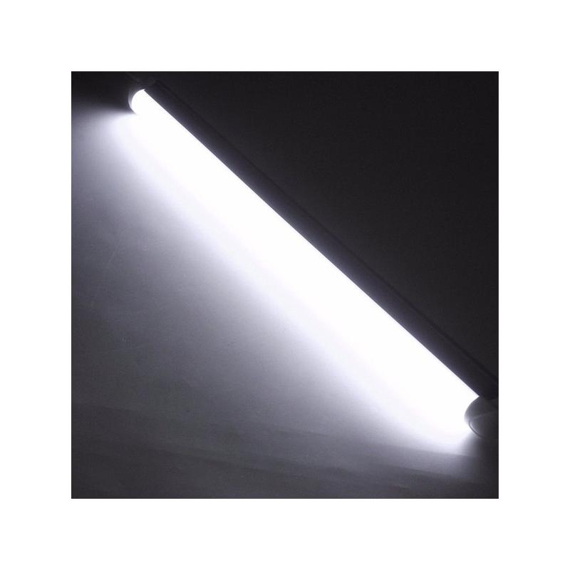 60 cm-es T5 LED fénycső armatúrával, kapcsolóval és villásdugóval / 8W=80W